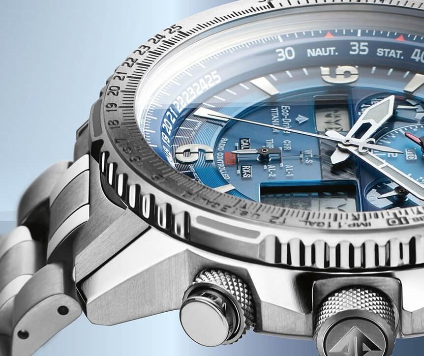 detalle reloj titanio solar multiband citizen jy8100-80l