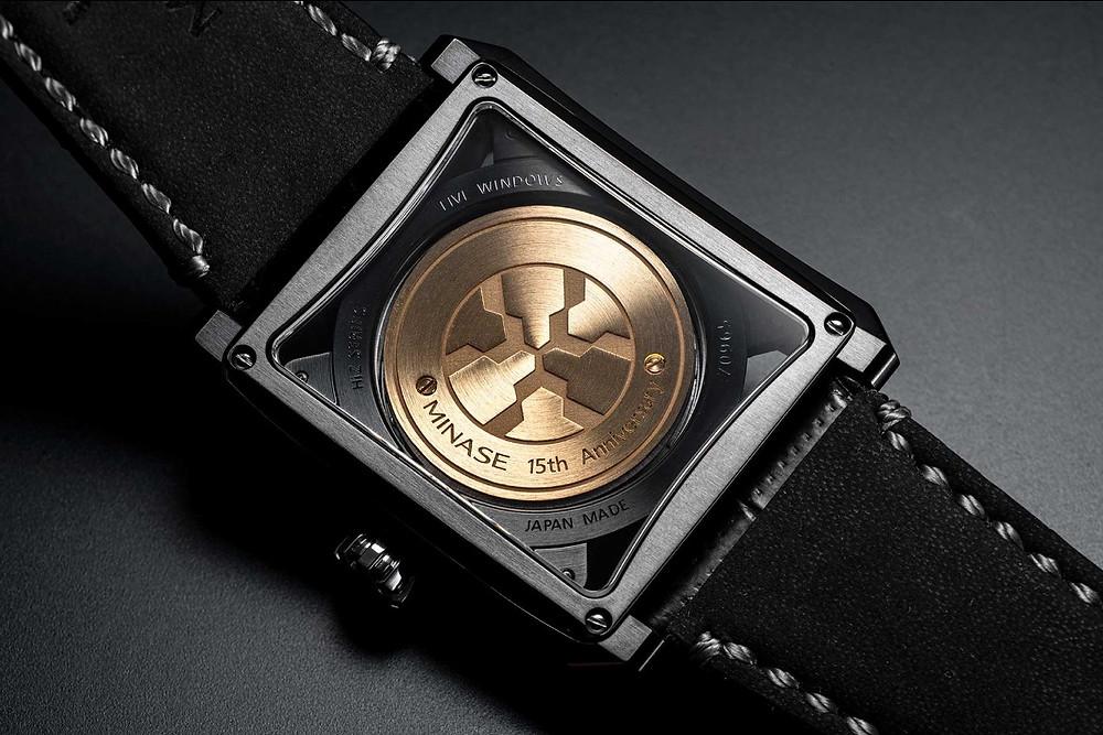 Detalle fondo reloj Minase 15th VM03-L10KD-KBK