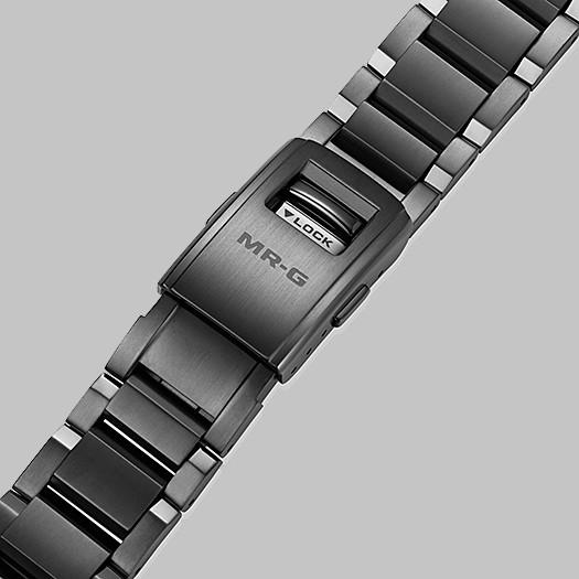Detalle armis titanio DLC reloj MRG-B2000B-1A