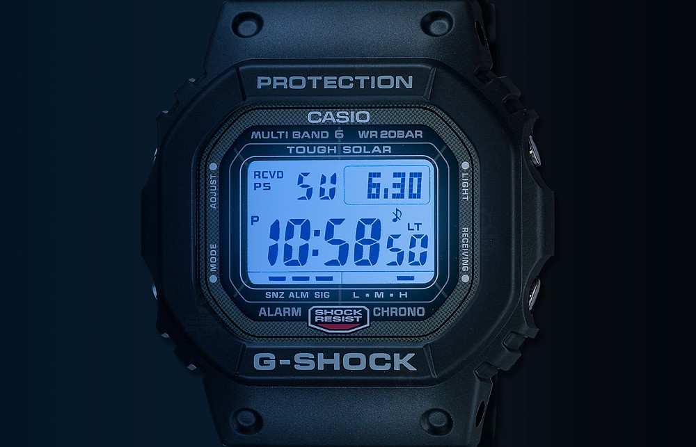 Icónico reloj GW-5000-1JF con caja de acero y tapa de fondo roscada de acero acabado dlc