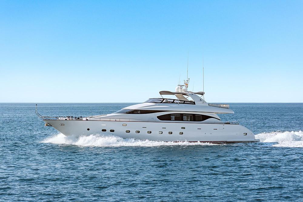Yate Maiora 26 Fipa embarcacion de lujo 26 metros eslora de re-estreno