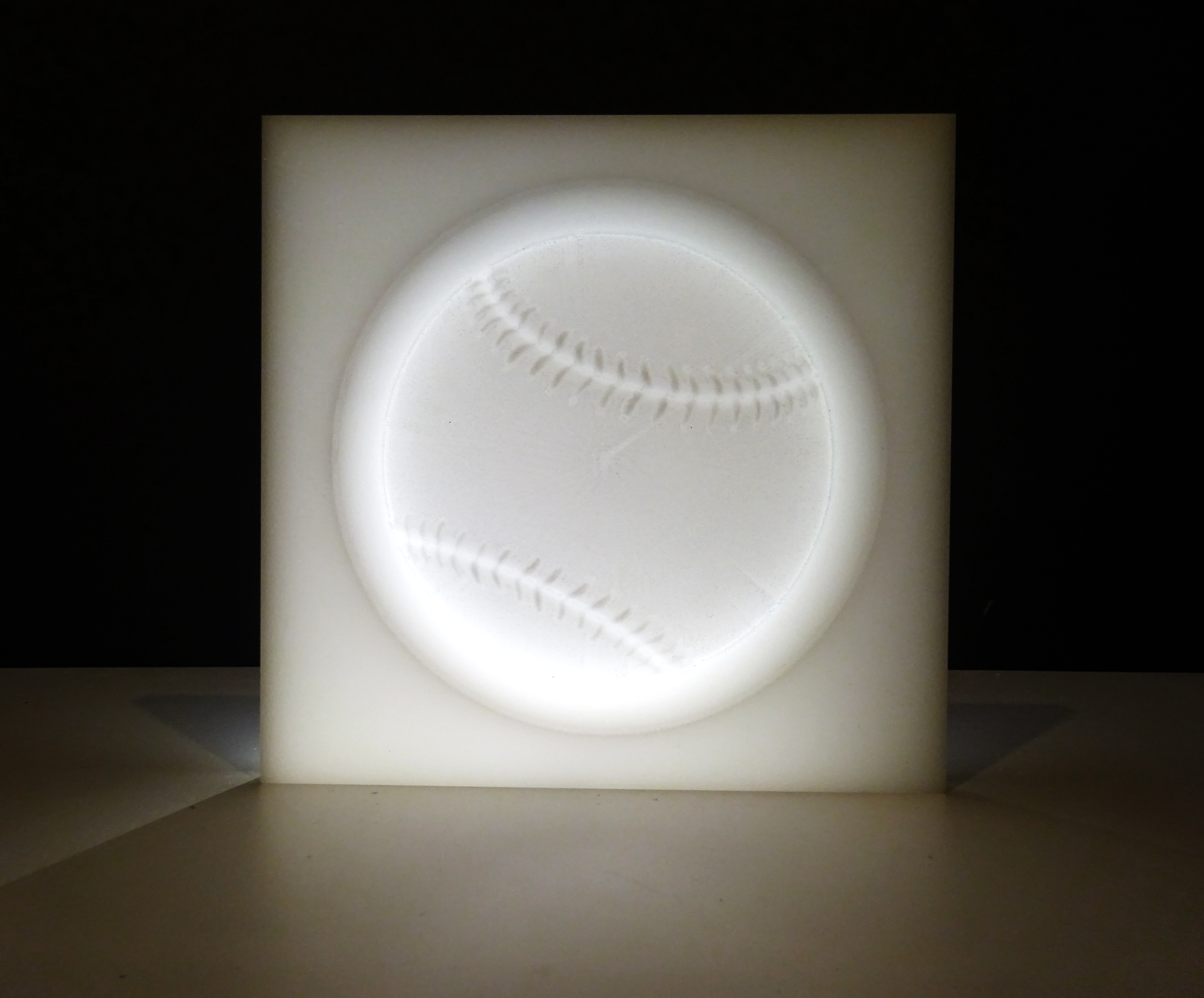 08 Baseball Lamp