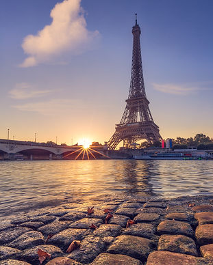 Autumn in Paris. Eiffel Tower at sunrise