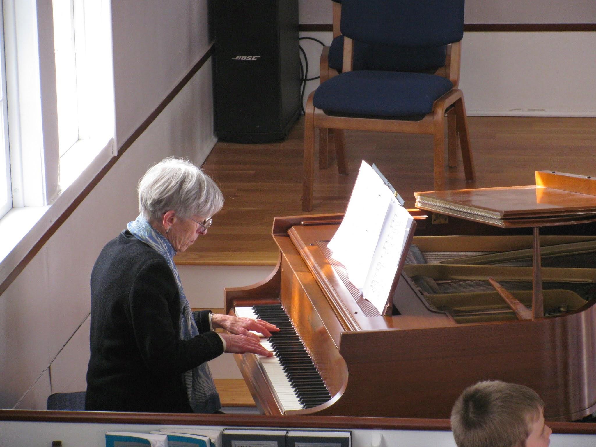 Pianist Elizabeth Tipton