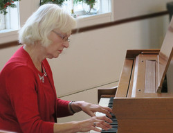 Carol Davis, piano