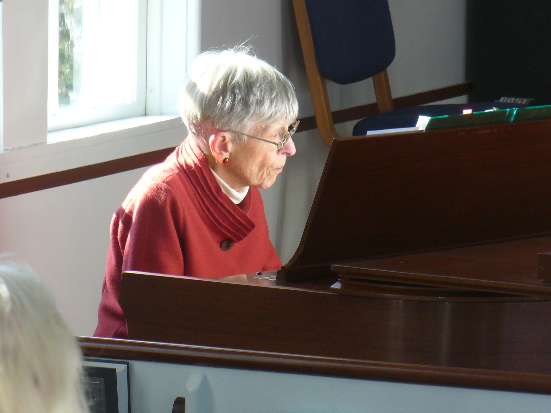 Elizabeth Tipton, piano