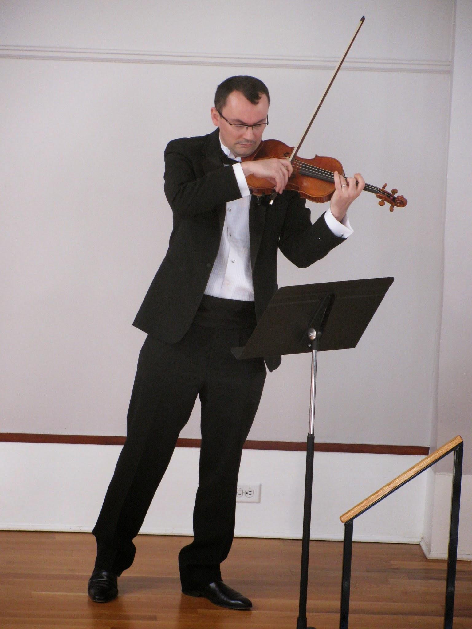 Special Guest Violinist Dan Flonta
