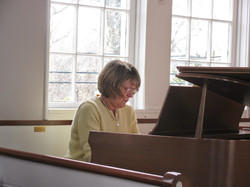 Pianist Liz Browne