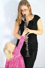 WCAI interview 'Transylvanian Clarinetist Makes a New Home for Her Music'