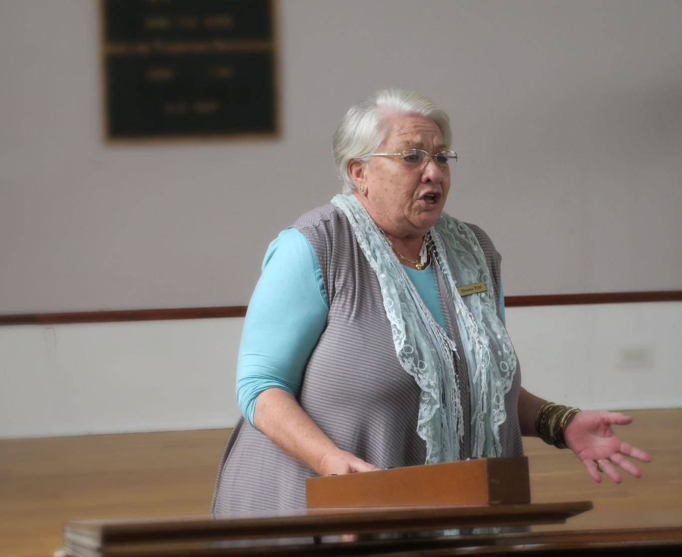 Singer Donna Pihl
