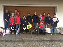 Jugend der Feuerwehr Lungitz mit  den Spenden fürs Tierheim