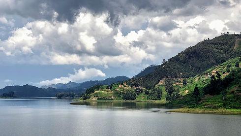 Uganda - Lake Buyonyi.jpg