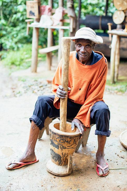 Uganda - Henry Coffee Tour.JPG