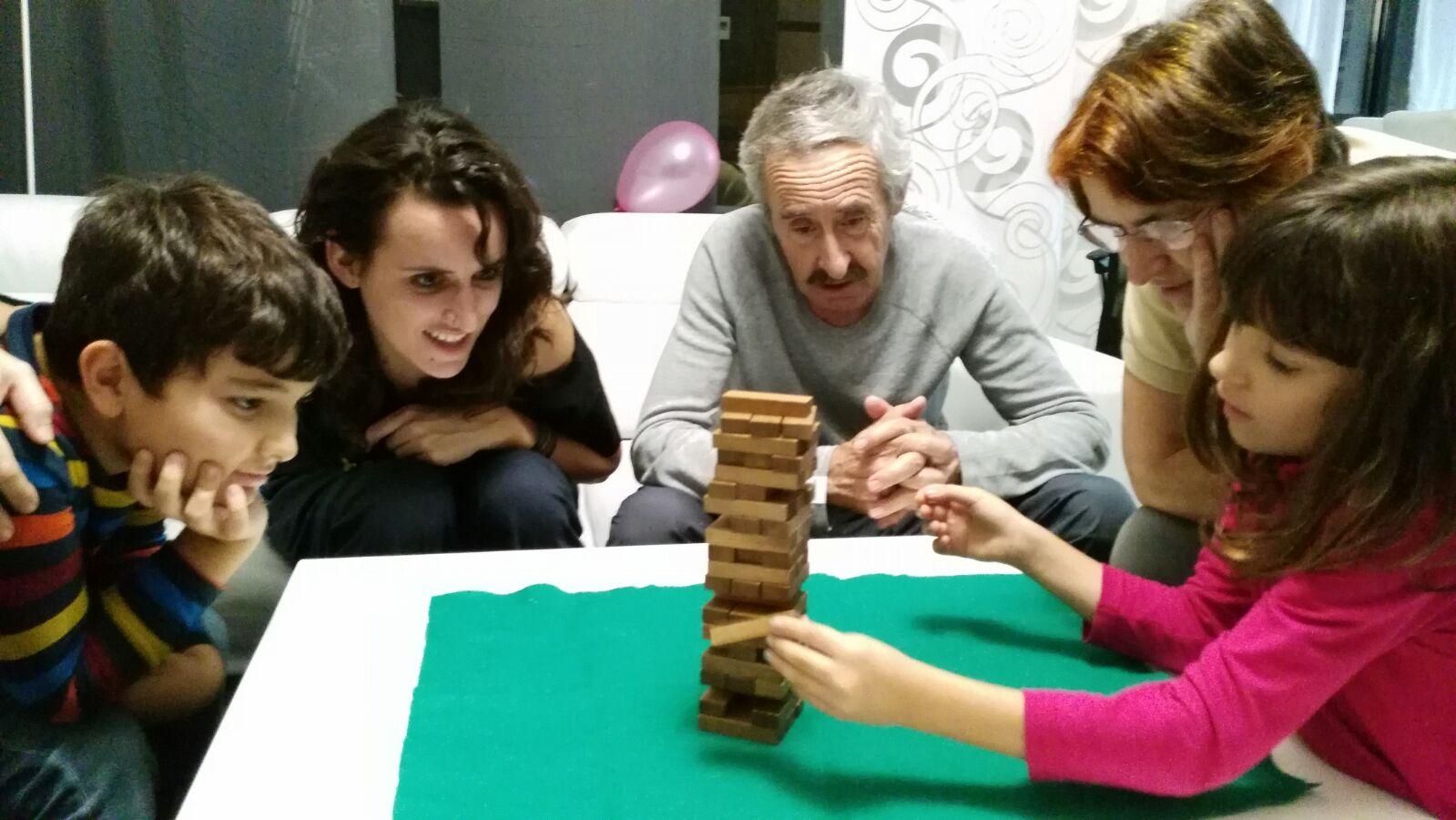 A28_construyendo_en_familia,_MªTeresa