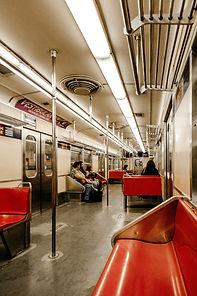 commute-commuters-fashion-3134239.jpg