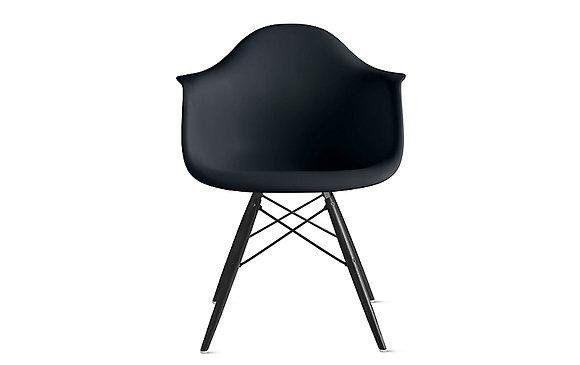 Стул Eames DAW черный с черными ножками