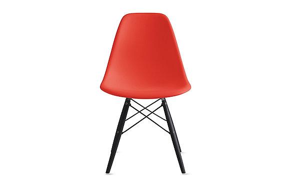 Стул Eames DSW красный с черными ножками