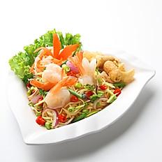 [22] Raw Prawn with Laksa Noodles Salad