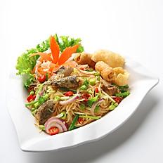 [21] Catfish with Laksa Noodles Salad