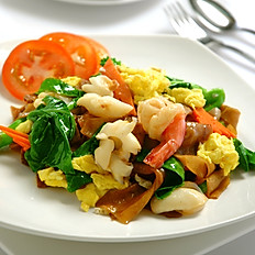 Fried Kway Teow with Seafood (Dry)