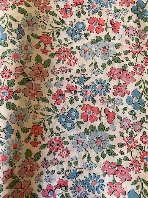 Ranita Santi Liberty flores rosa y azul pastel