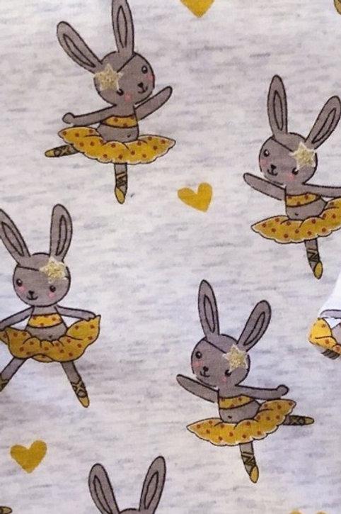 Conejos bailando