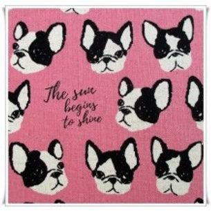 Cabezas de perros fondo rosa