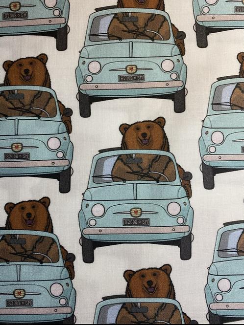 Ranita Santi osos conduciendo