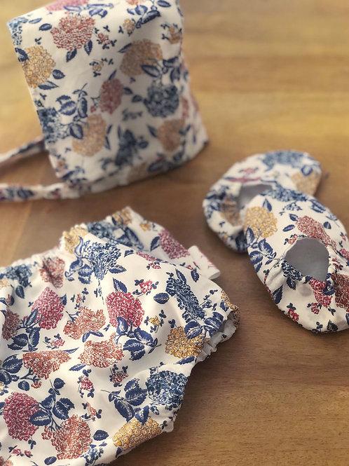 Hortensias azul, mostaza y rojo