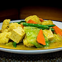 Seizoensgroenten in Maleisische curry met witte rijst / Malaysian seasonal vegetables curry with white rice / 馬來咖哩蔬食