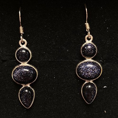 Triple black sandstone drops