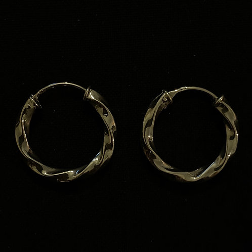 Thick twisted hoops