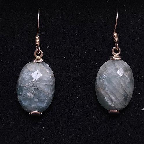 Emerald quartz drops