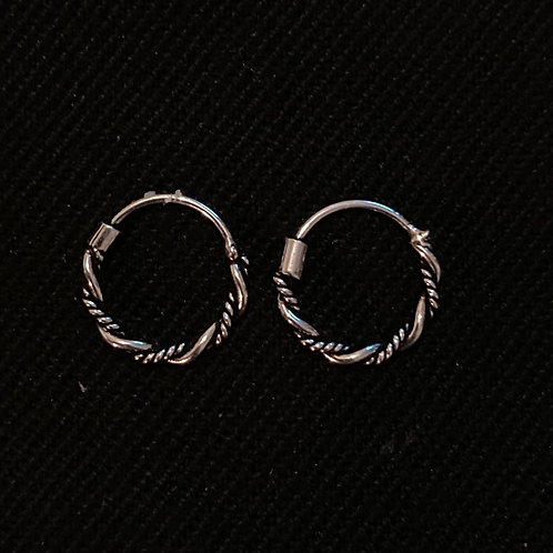 Tiny twist hoops