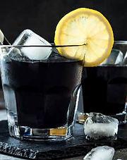 boisson raffraichissante au charbon actif en poudre