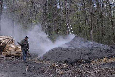 le charbon actif français meule.jpeg