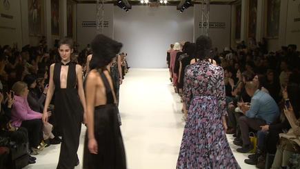 Apu Jan Fashion Show