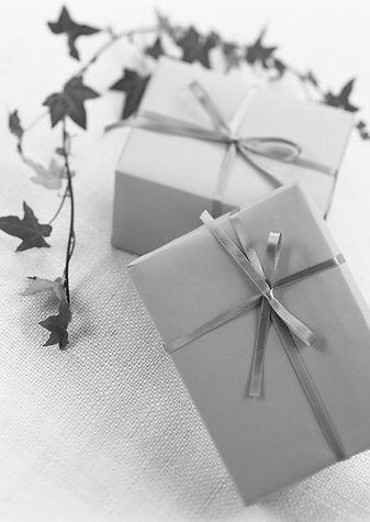 Agentur Hochzeitsplaner Geschenke sw.jpg