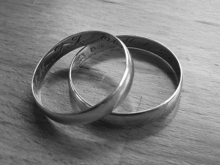 Agentur Hochzeitsplaner Ringe sw.jpg
