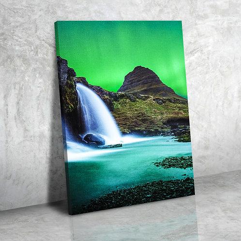 Водопад в Северном сиянии