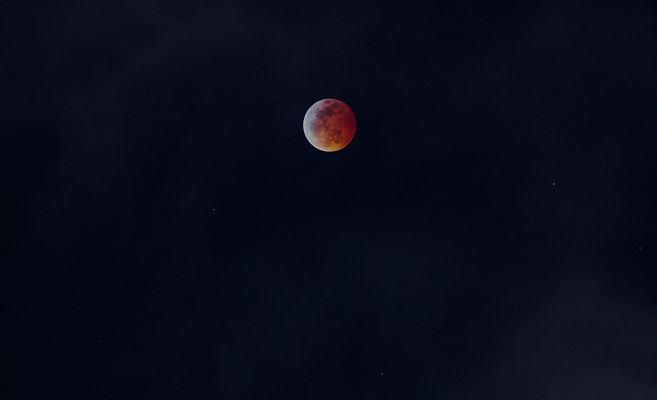 red%20and%20white%20full%20moon_edited.j