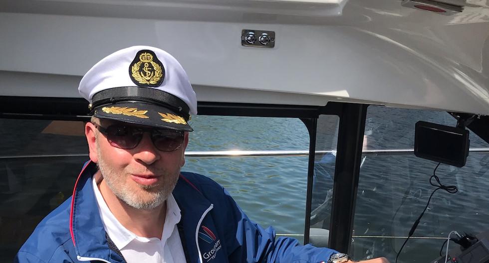 Votre capitaine à bord de l'hermes.jpg