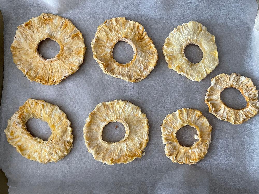 rings of dried pineapple