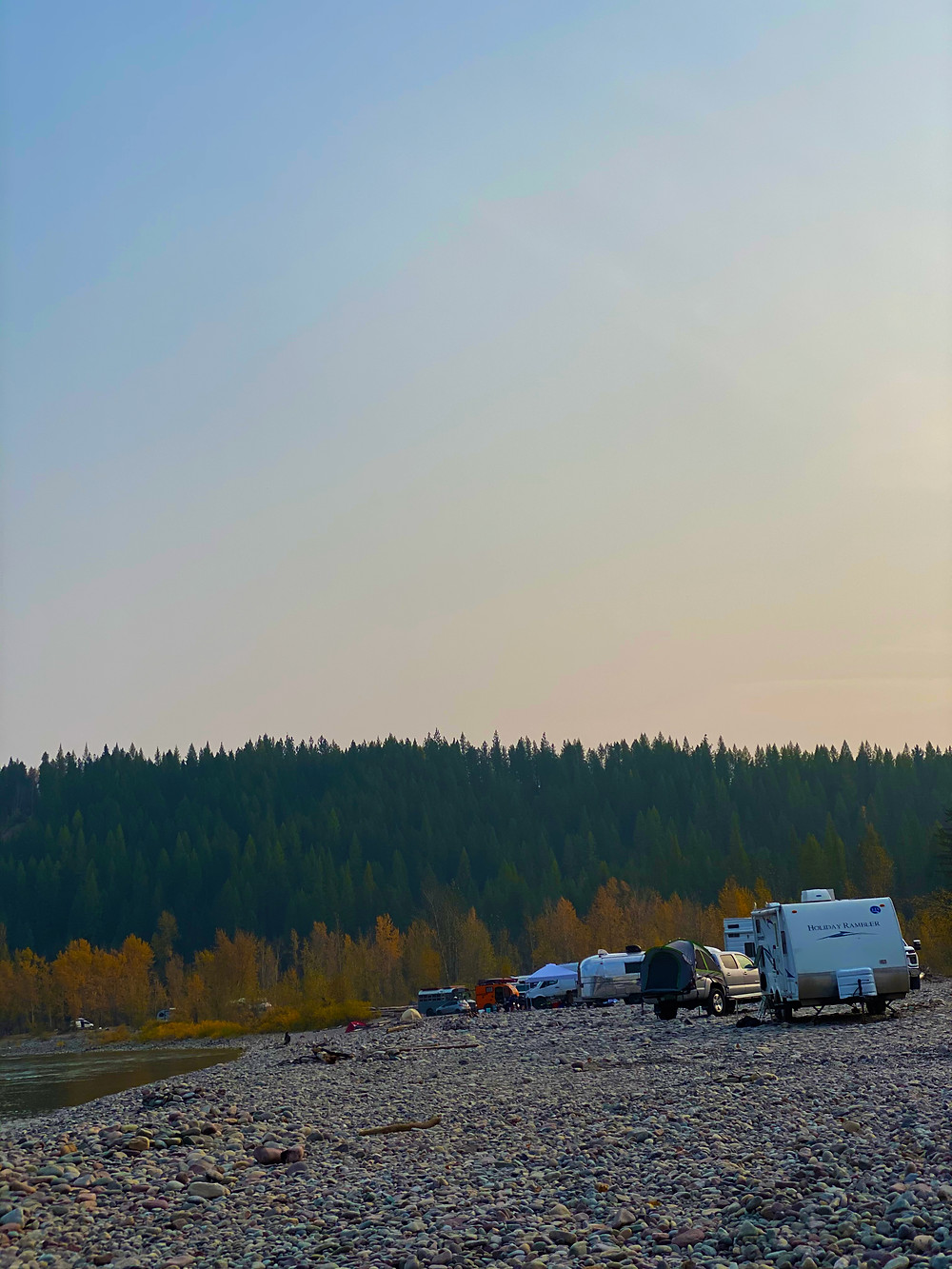 Vehicles boondocking, camping in Glacier Rim, Montana