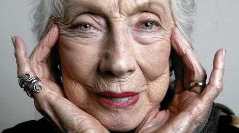 Glossy Keane Eyes: An Artist Profile of Margaret Keane