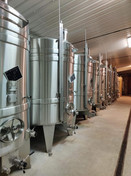 Champagne Huiban - Vasche d'acciaio in cantina