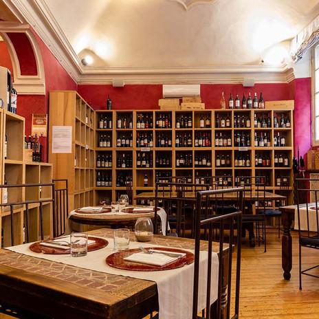 Ombre Rosse Parma Enoteca Ristorante - Sala principale ristorante