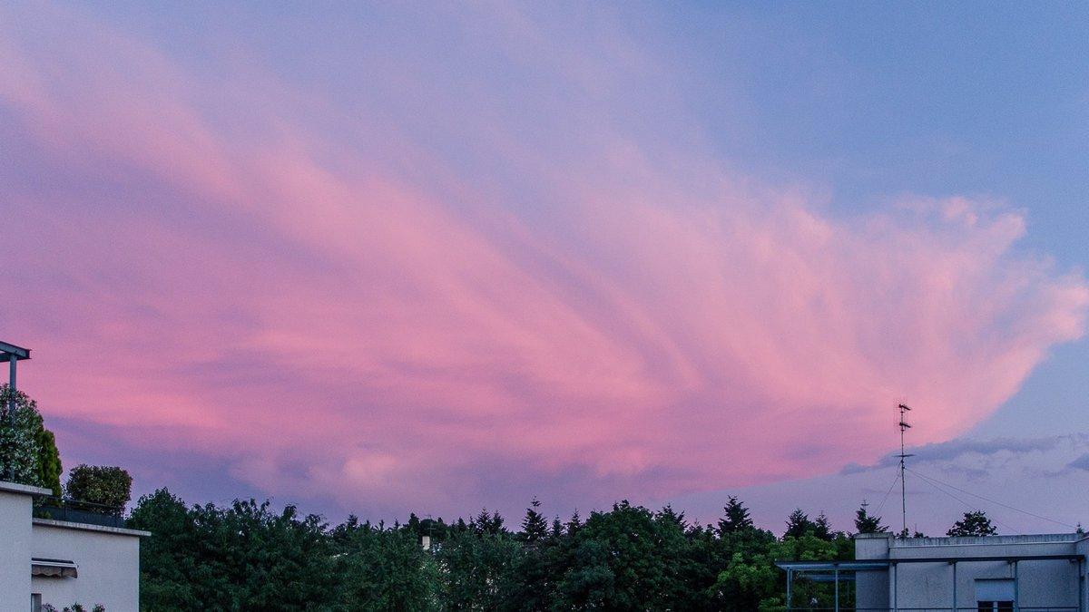 MR- nuage 1
