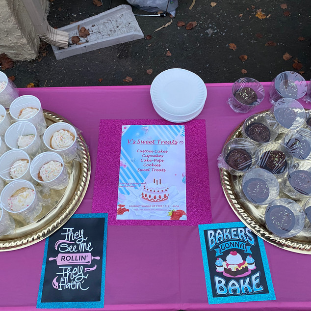 Contactless Cupcakes provided by V's Sweet Treats
