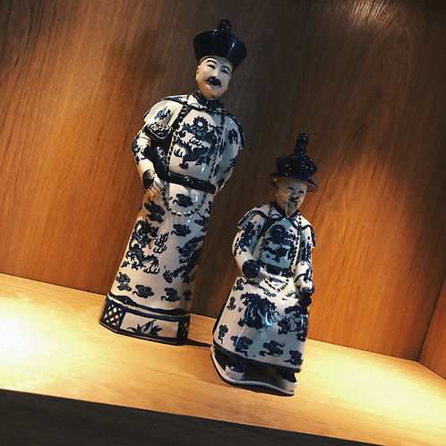 Chinese porcelain standing